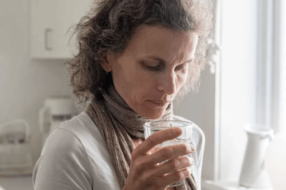 http://woman%20drinking%20water